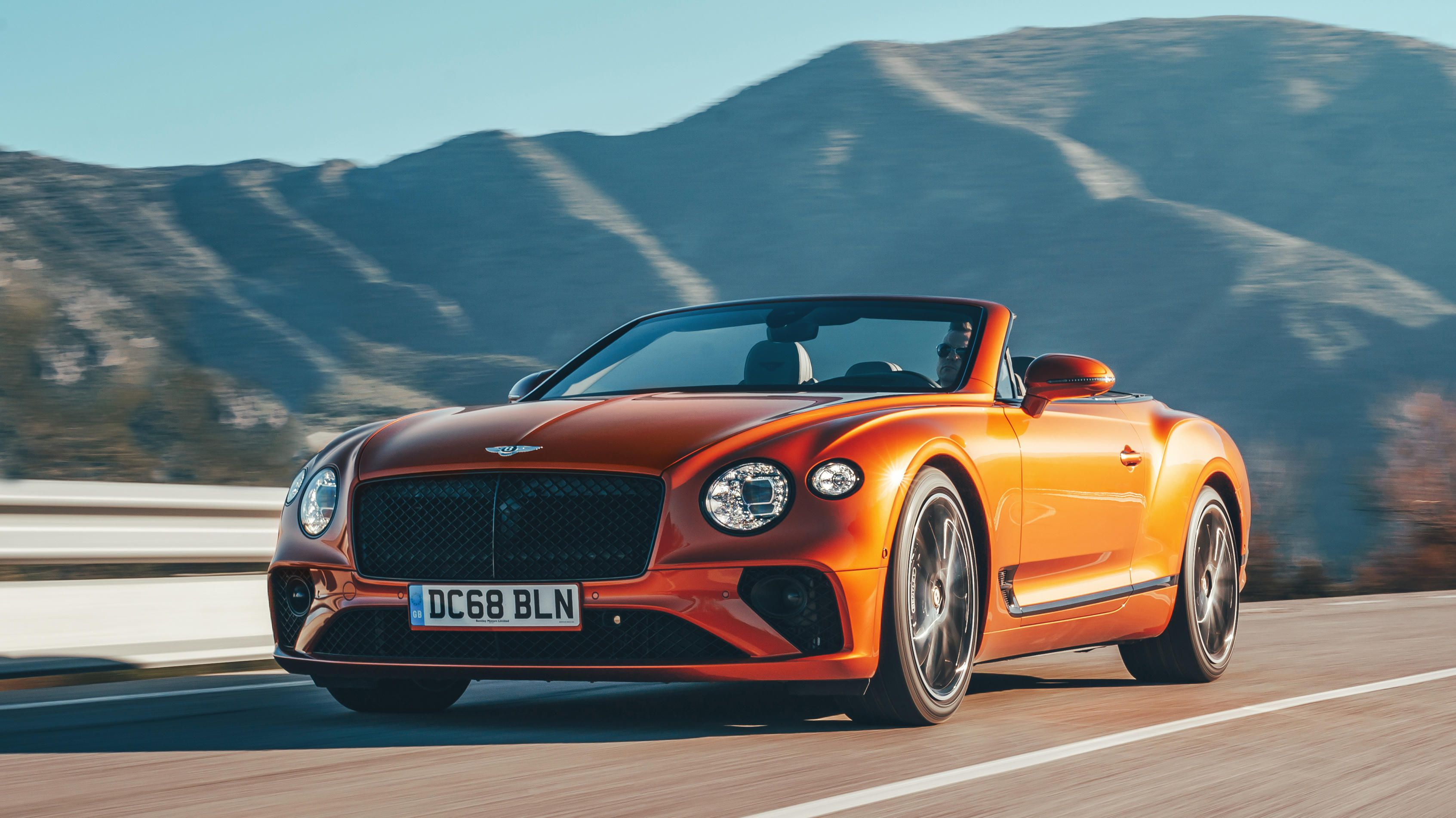 2019-bentley-continental-gt-convertible-orange-flame-ogi2